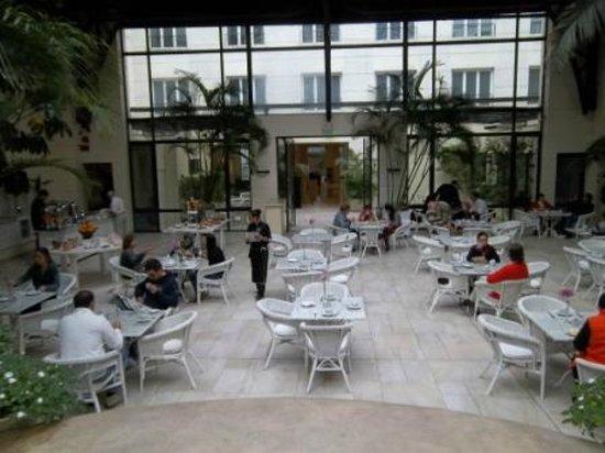 Loi Suites Recoleta: Restaurant view