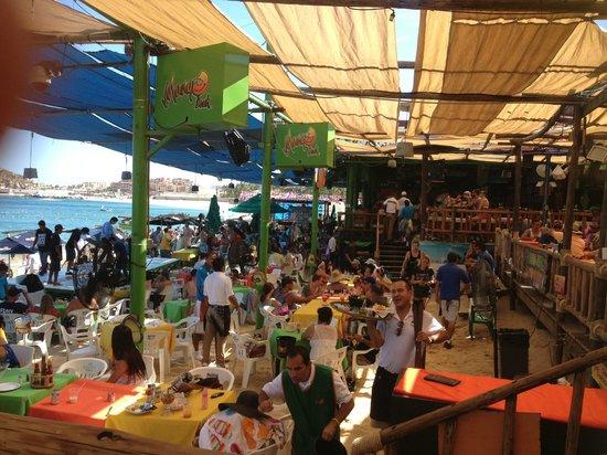 Mango Deck Restaurant & Beach Club: The gist