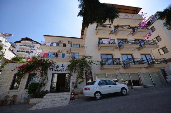 Talay Otel: otel açık alanları