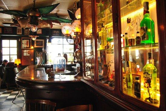 Absenta Bar