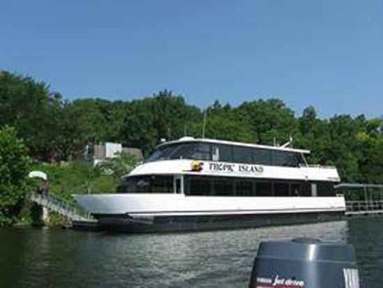 Tan-Tar-A Resort, Golf Club, Marina & Indoor Waterpark: Tropic Island Sightseeing Cruises