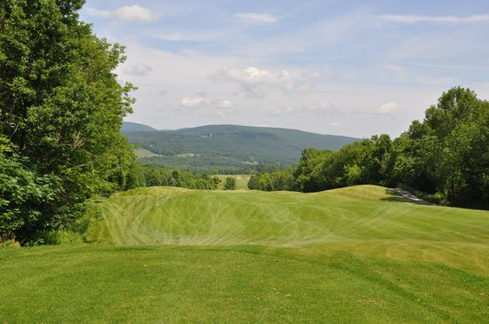 Reservoir Creek Golf Course: One of the wider fairways