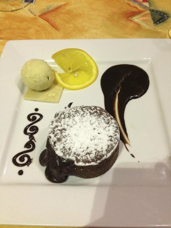 Le Presidial: Mi-cuit au chocolat, glace vanille
