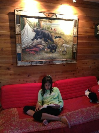 Prospect Point Cottages - Blue Mountain Lake: Beautiful Artwork in the Cottages