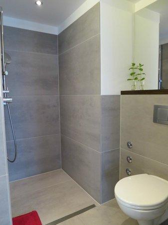 Stern am Rathaus: Bathroom