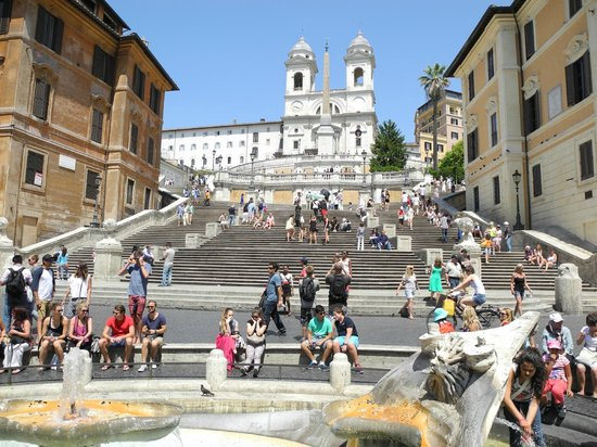 Hotel Madrid: The Spanish Steps are just a few blocks away