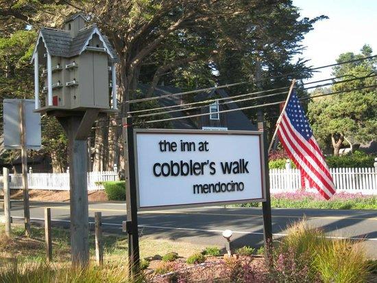 Cobbler's Walk Mendocino: The sign for Cobbler's Walk