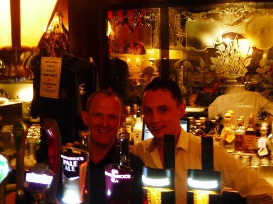 Aunty Lena's: GREAT bar staff (friendliest in Ireland)