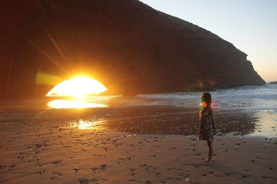 Legzira Beach: zachód słońca