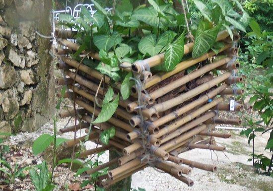 Vue La Montagne Lodge: bamboo deco