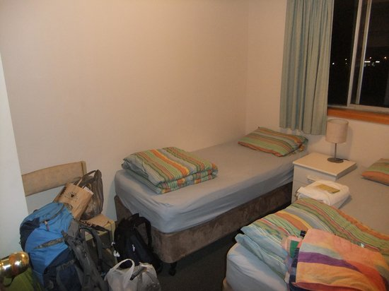 Narrara Backpackers: Room 8 Twin beds