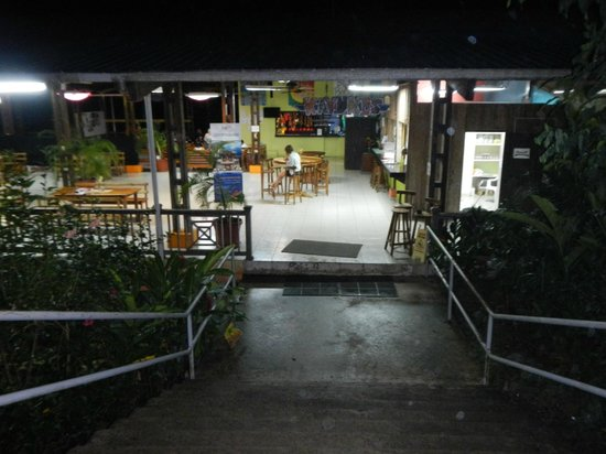 Bocas Island Lodge: Restaurant and Reception Area