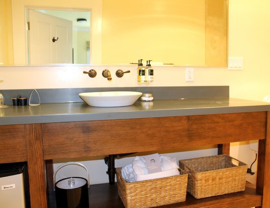 Inn at Sonoma, A Four Sisters Inn: Vintners Cottage Guestrooms