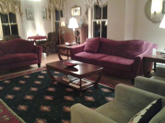 Cranmore Inn: sitting room