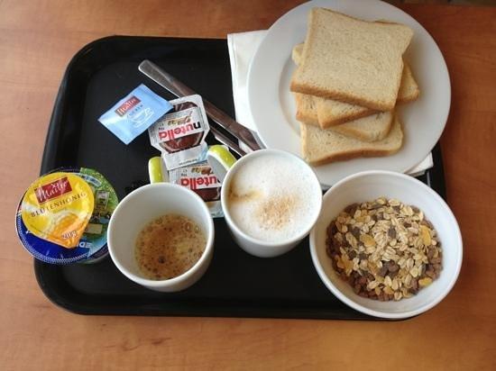B&B Hotel Frankfurt City-Ost: colazione ��