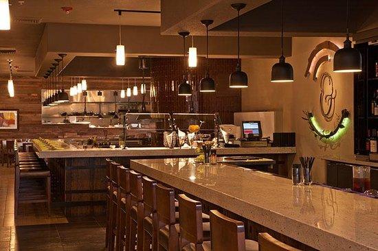 Plate & Vine Bar