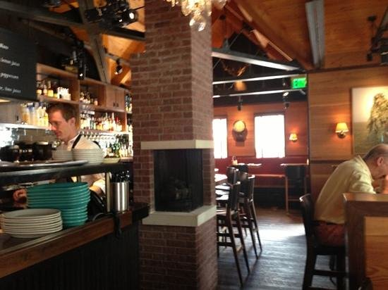 The White House Tavern : classic Hillstone - a good thing!