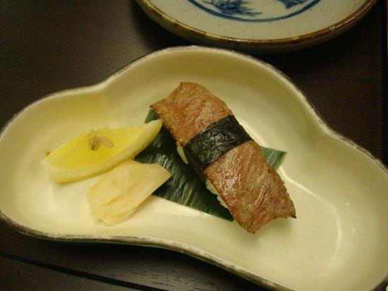 Hanaougi Bettei Iiyama: Hida beef sushi