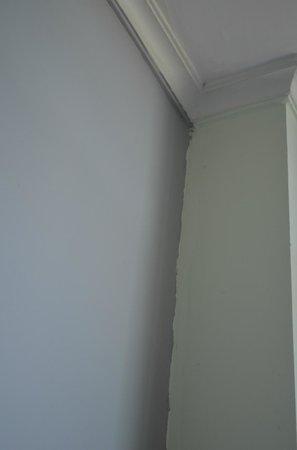 Tune Hotel - 1Borneo, Kota Kinabalu: Professional decorating not included.