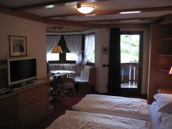 Hotel Condor: luxurious room with corner nook