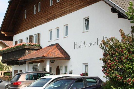 Hotel Ameiserhof: semplice ma bella la facciata dell'albergo