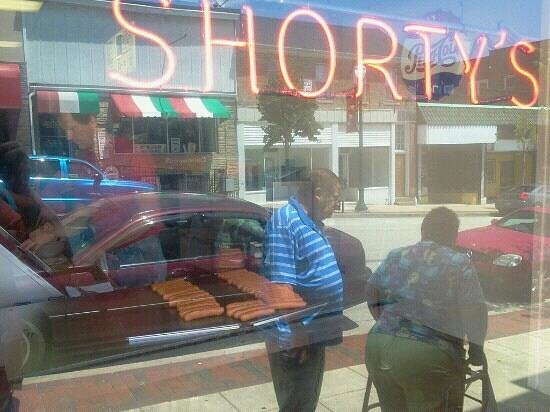 Shorty's Lunch: looking in the front window at shortys