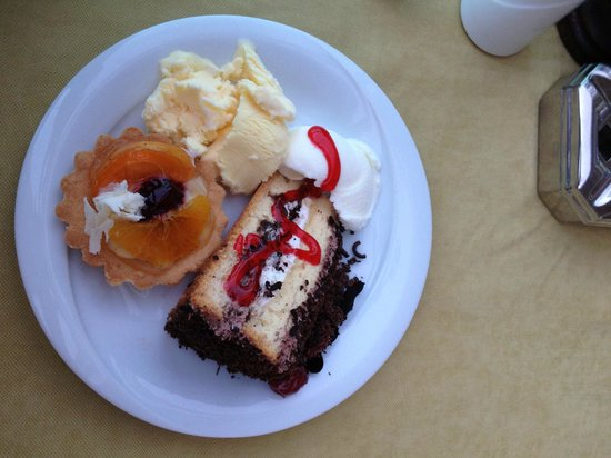 Hotel Marbella: Some of the delicious deserts