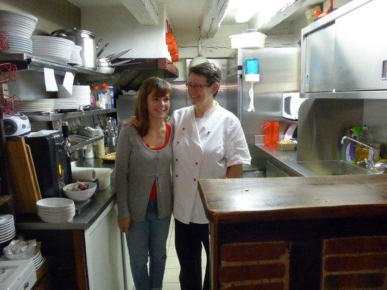 La Fourchette: La chef et son assistante