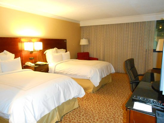 Los Angeles Marriott Burbank Airport: Camas