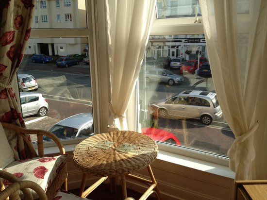 Morlea Hotel: Car park in front was very convenient and safe