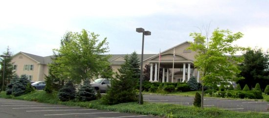 Quality Inn & Suites: The outside
