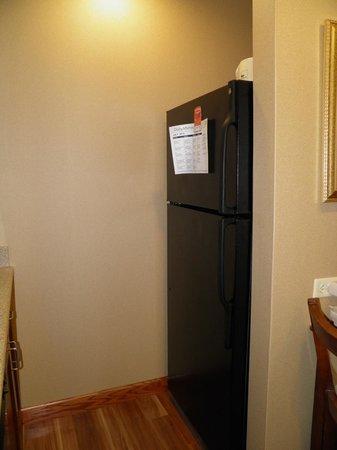 Homewood Suites Rochester - Victor: Kitchen - refrigerator