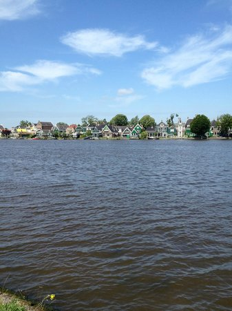 Zaanse Schans: view over the canal