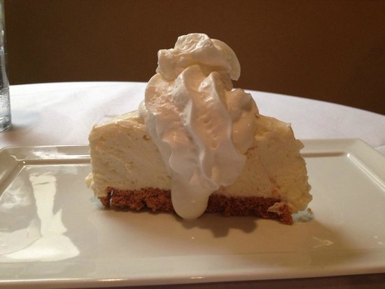 Hugo's Seafood & Steakhouse: Key Lime Pie