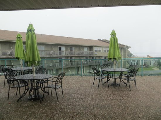 Atlantica Oak Island Resort & Conference Centre: Restaurant's deck