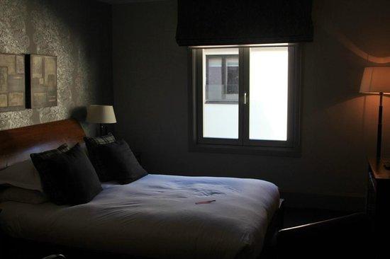 Hotel du Vin & Bistro: Room overlooking courtyard