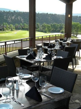 Hattie Thompson Restaurant: patio-ready for the lunch crowd
