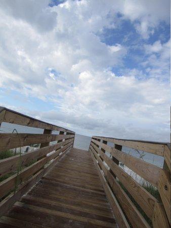 Embassy Suites by Hilton Destin - Miramar Beach: the walkway to the beach