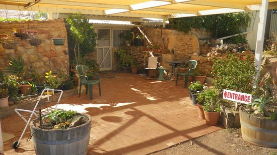 Faye's Underground Home: Enter a piece of Coober Pedy history