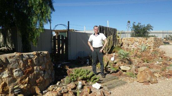 Faye's Underground Home: garden