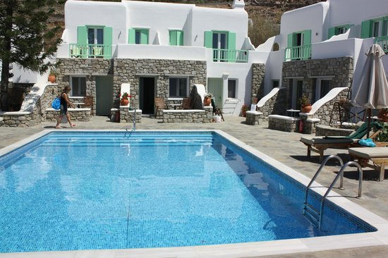 Bellissimo Resort : refreshing pool
