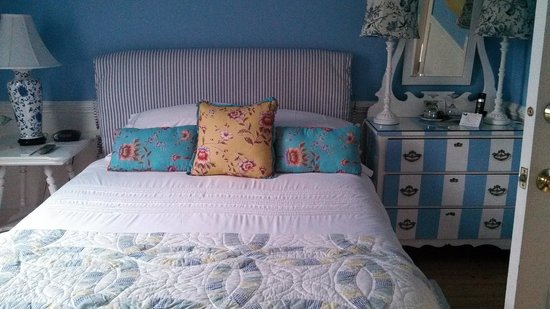 Mahone Bay Bed and Breakfast: very nautical