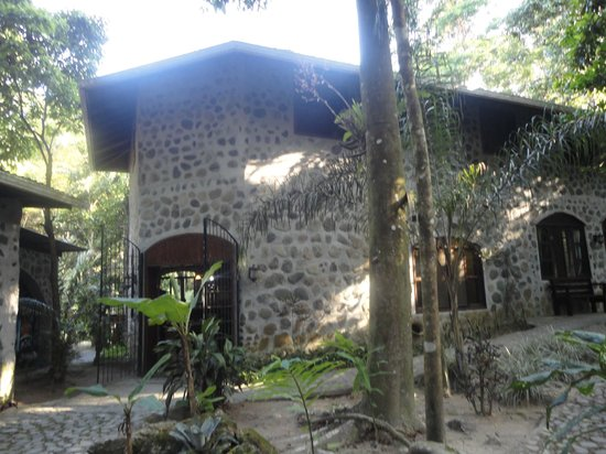 Casa Cangrejal B&B Hotel: stone facade