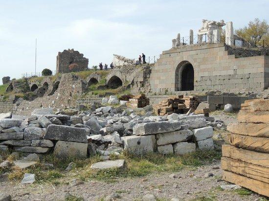 Anfiteatro - Picture of The Acropolis, Bergama - TripAdvisor
