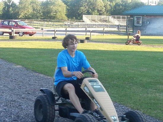 Double JJ Resort : Pedal Cart Racing