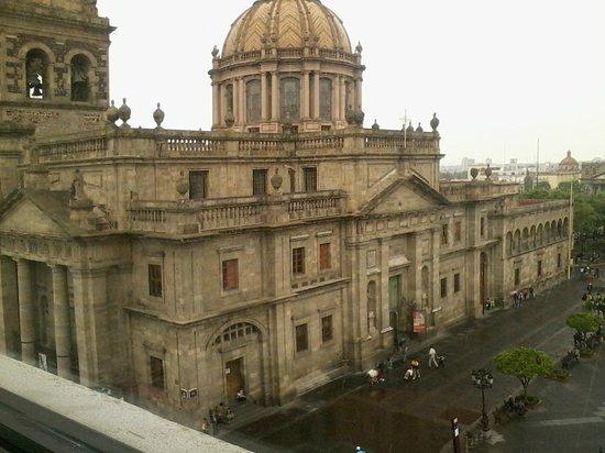 One Guadalajara Centro Històrico : VISTA DE LA HABITACIÓN