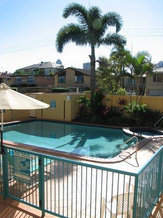بارادايس إيسليز: Outdoor pool and spa