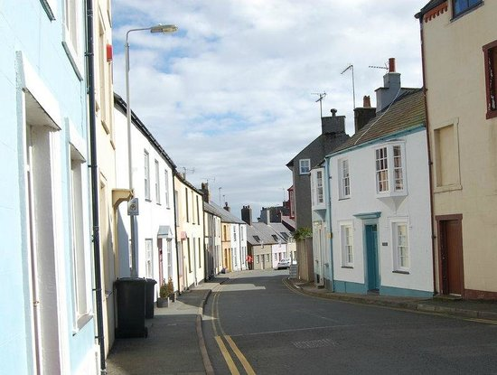 Churchbank Bed and Breakfast: Charming winding streets of Beaumaris