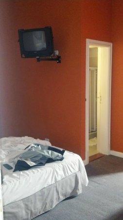 Hotel Mundial: Quarto