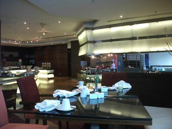 Richmond - the Stylish Convention Hotel: breakfast room